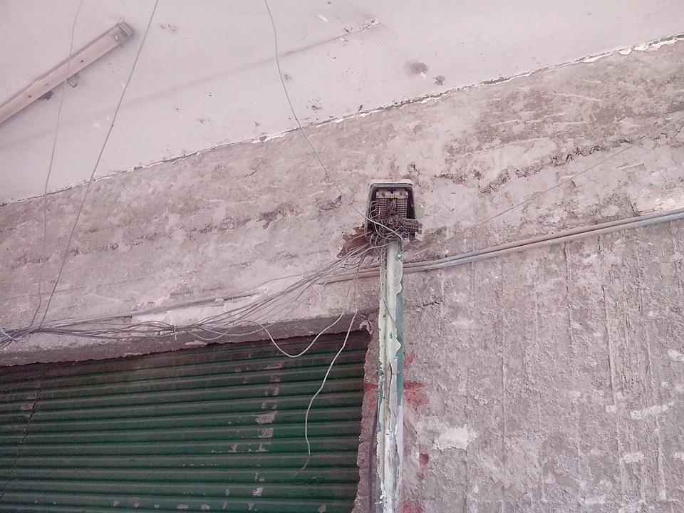 أسلاك الألياف الضوئية بأحد المناطق في مصر