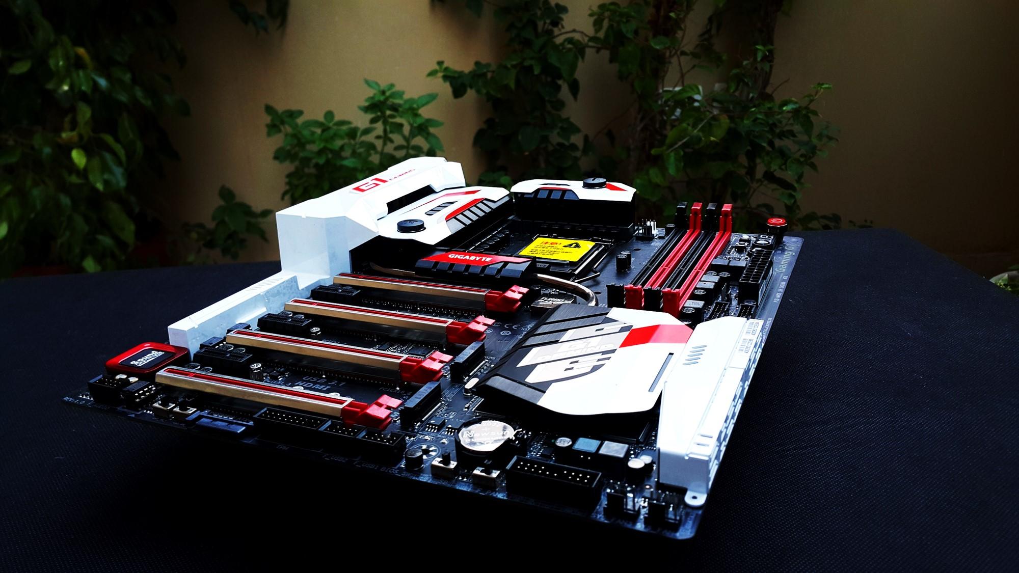 Gigabyte Z170X Gaming G1 Front
