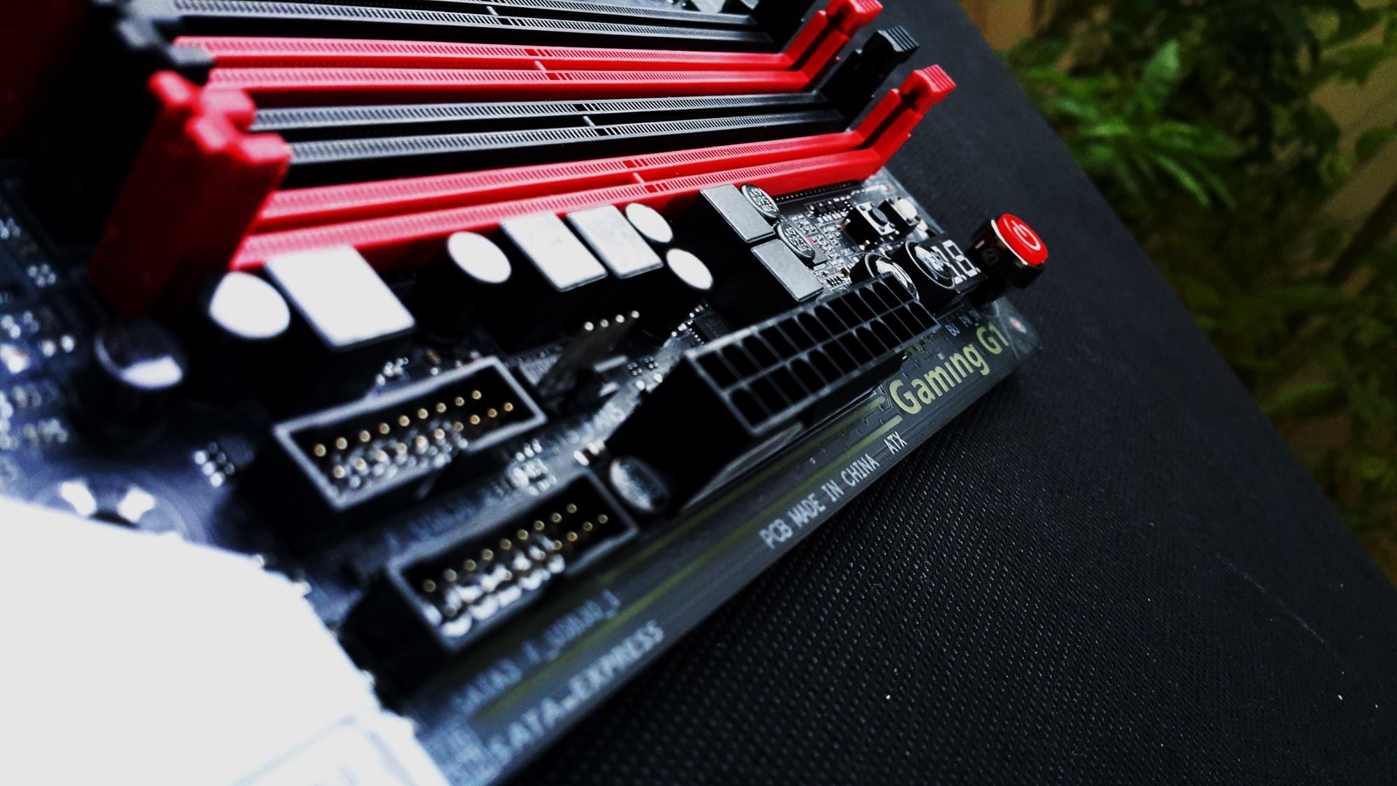 Gigabyte Z170X Gaming G1 RGB Front
