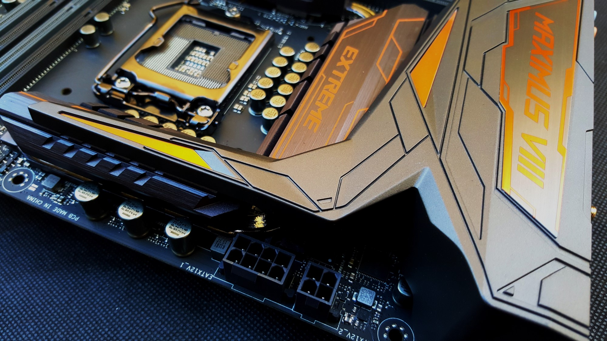 23-Asus Z170 Maximus VIII Extreme Assembly
