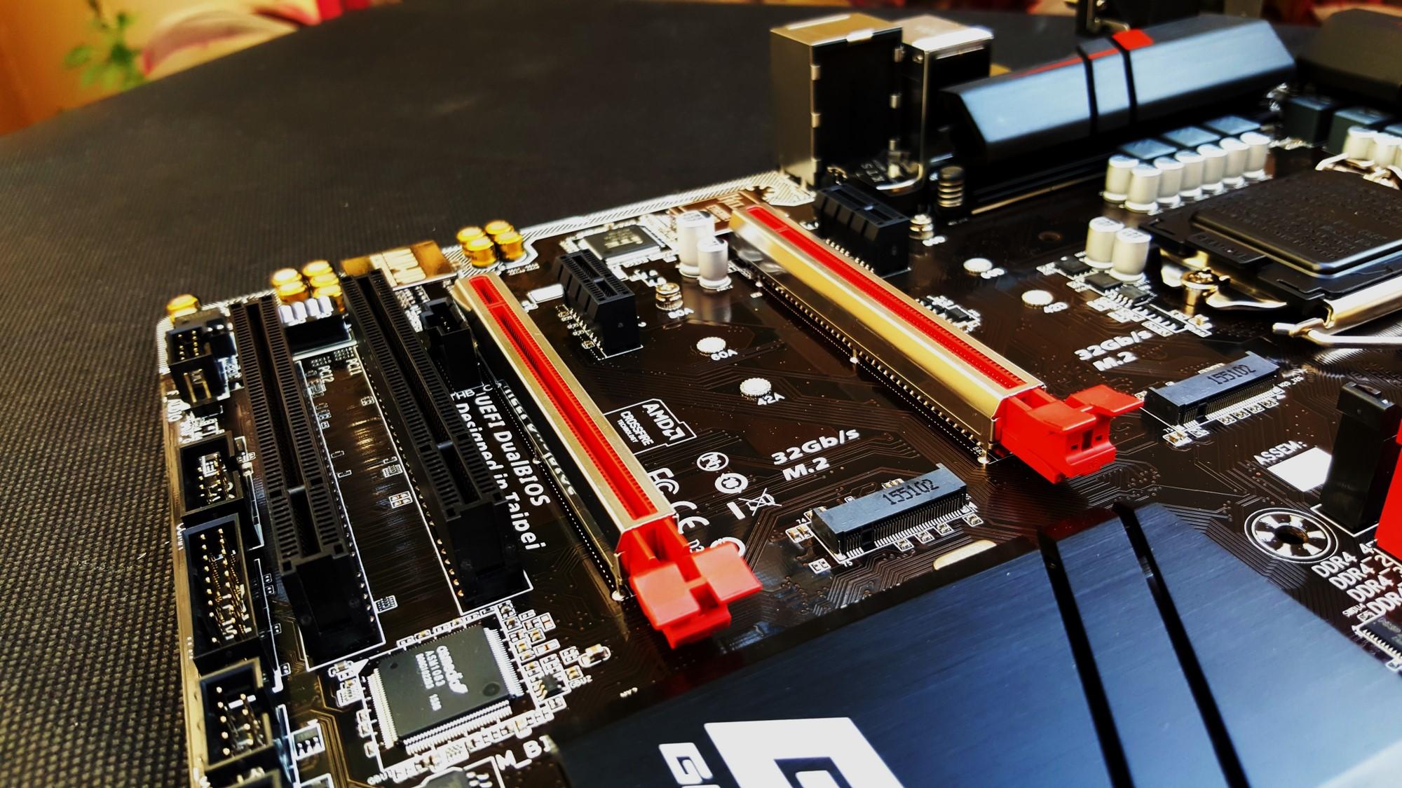 12-Gigabyte H170-Gaming 3 PCI-E