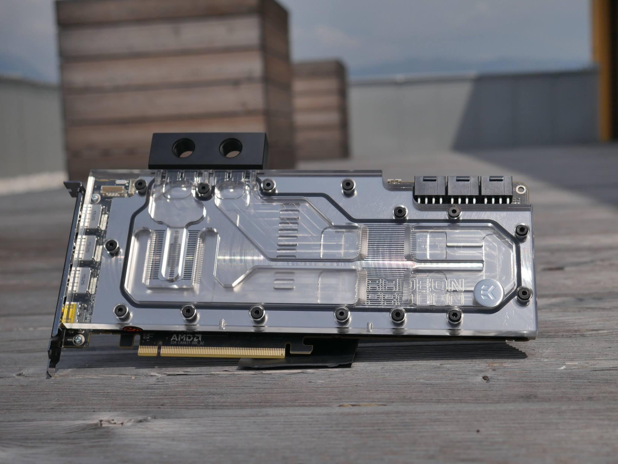 AMD Radeon Pro Duo-09