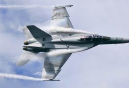 انفيديا تساعد طياري البحرية الأمريكية