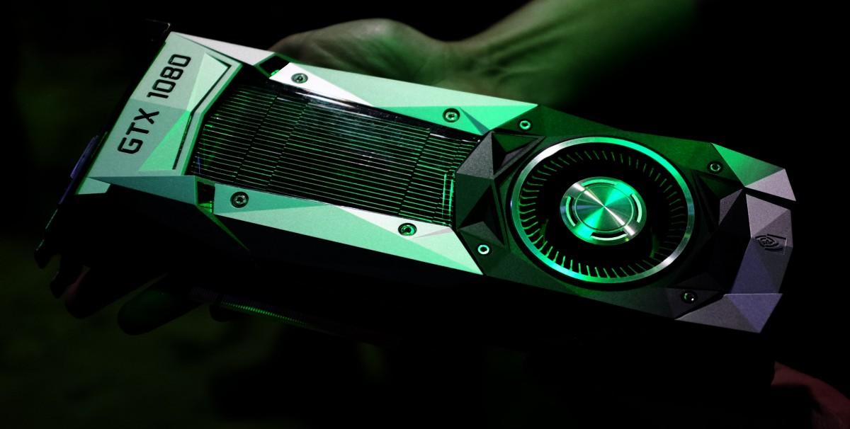 أي بطاقة رسومية يجب أن تقوم بشرائها؟ انفيديا أم AMD؟