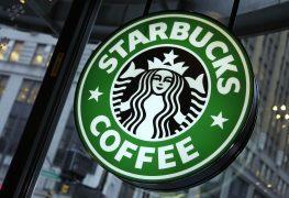 احد المخترقين قام بإختراع زر لطلب Starbucks بشكل سريع.