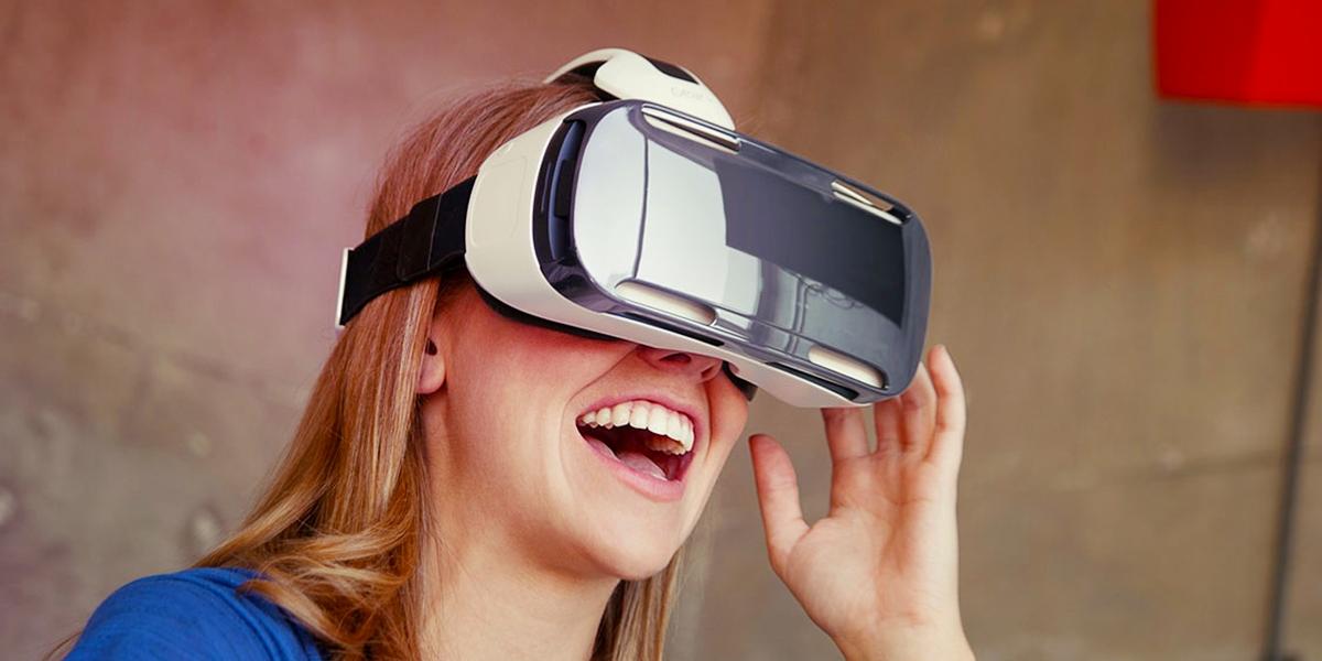 احد المطورين وصل الى طريقة لجعل اغلب الهواتف تعمل مع نظارة Samsung Gear VR
