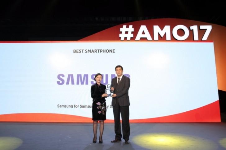 حدث MWC Shanghai 2017 هاتفي Samsung Galaxy S8 Duo
