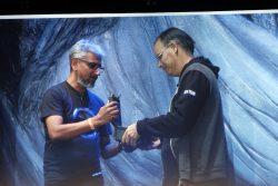 حجم صغير وقوة كبيرة..AMD تعلن عن بطاقة RX Vega Nano