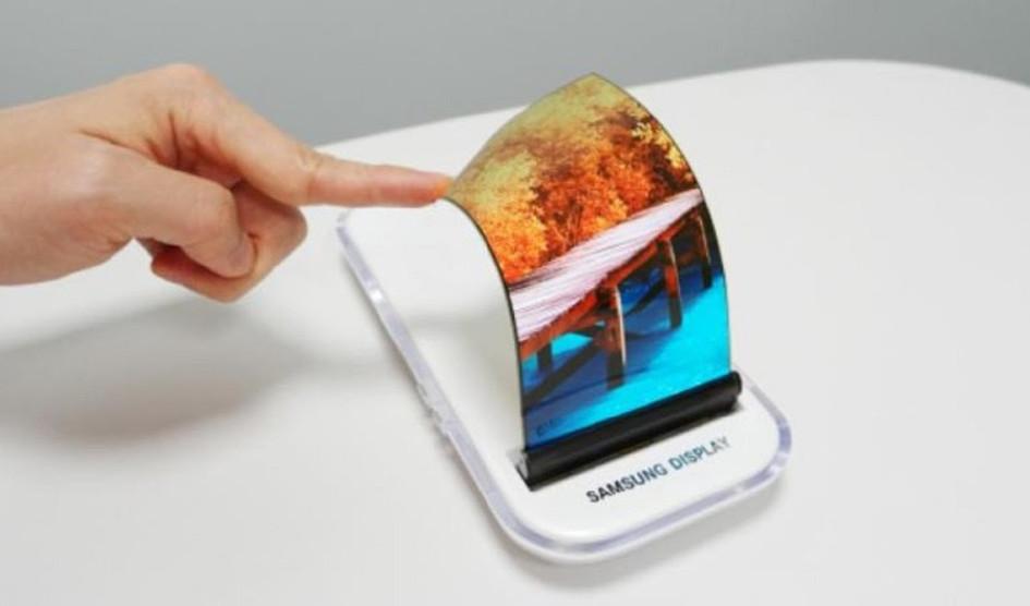 هاتف iPhone8 بـ شاشات OLED الثورية