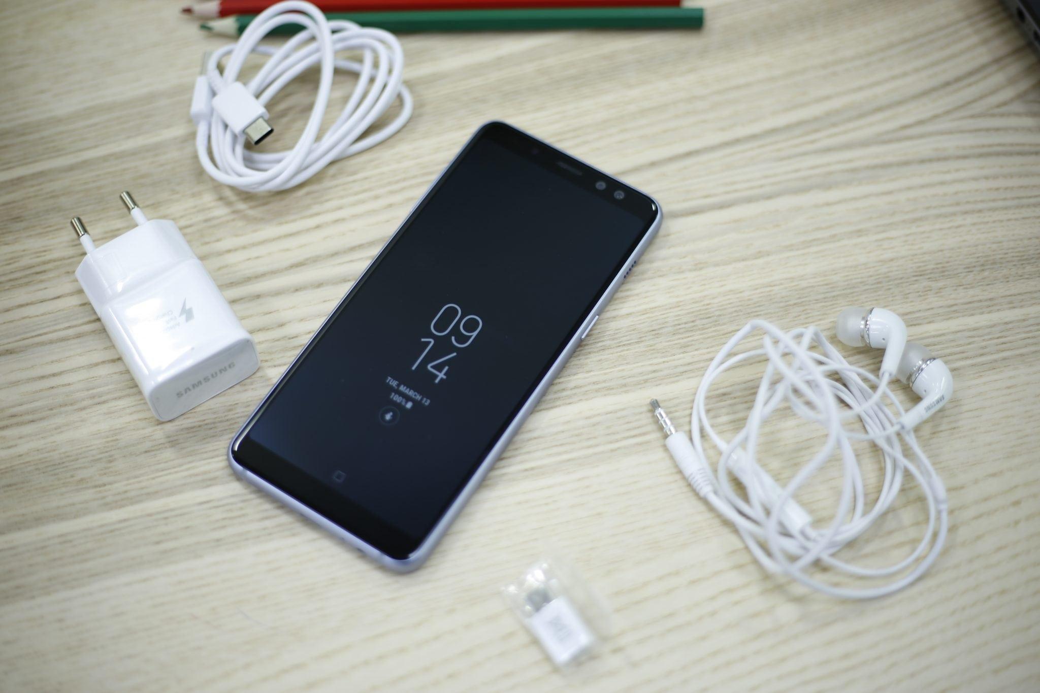 Samsung Galaxy A8 Phone (23)