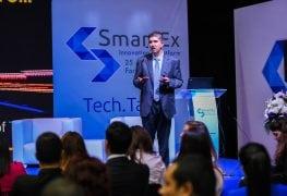 سمير عارف، الرئيس التنفيذي للعمليات لدى إس إيه لجنوب منطقة الشرق الأوسط يتحدث عن مستقبل إنترنت الأشياء خلال فعاليات SmartEx في لبنان.