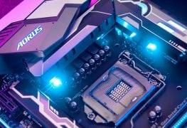تركيب المعالج المركزي CPU في المقبس