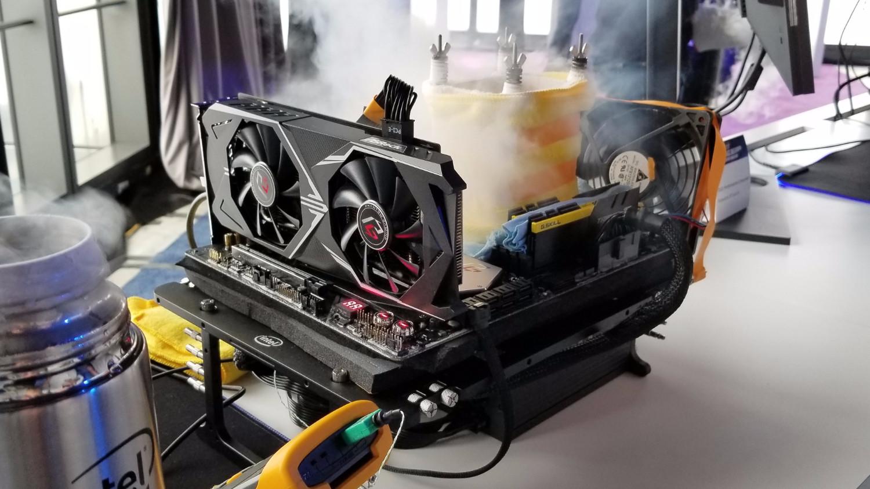 معالج Intel Core i9-9900K يحطم التوقعات ويصل لتردد 6.9GHz مع النيتروجين السائل