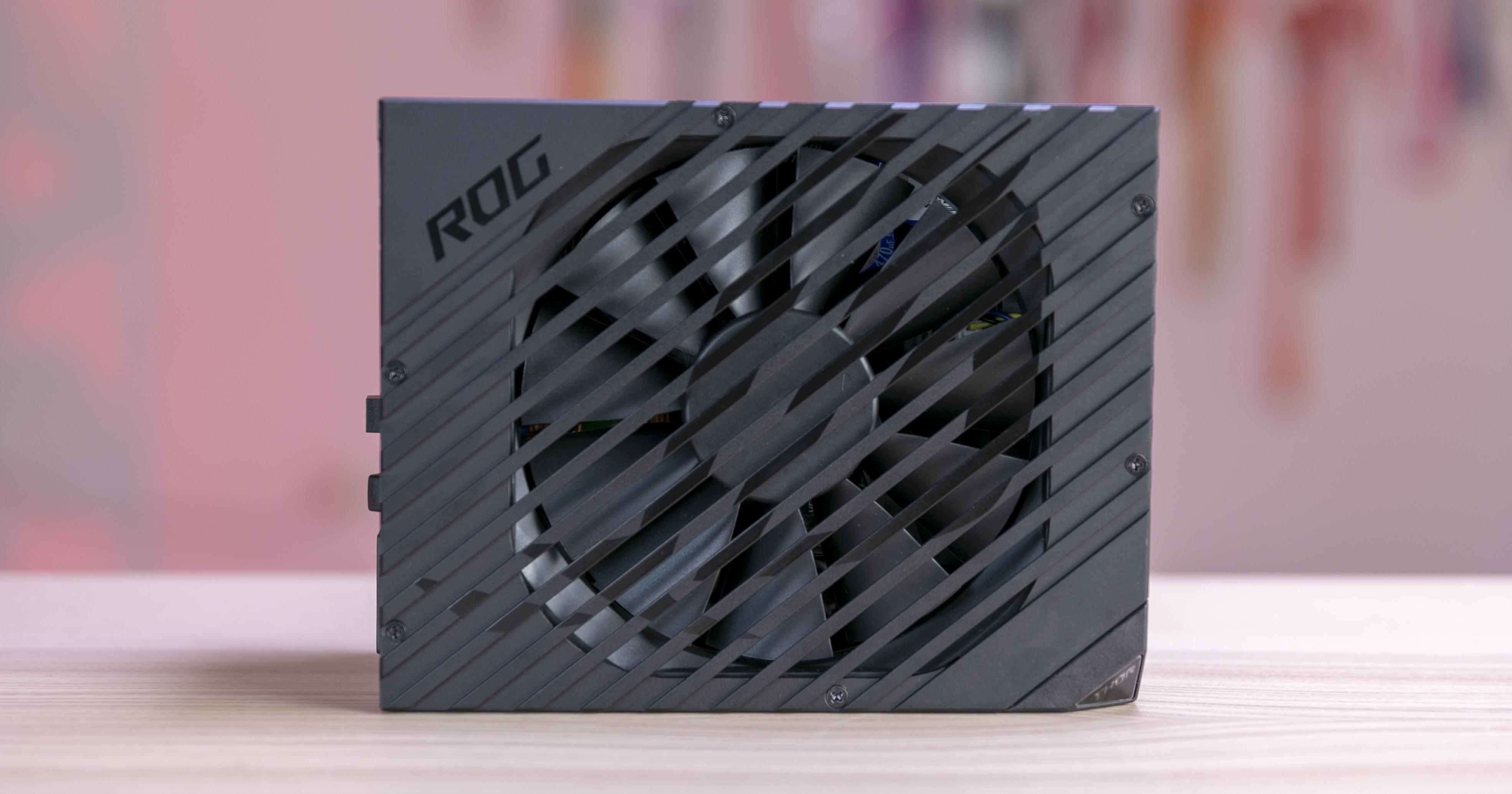 ASUS ROG Thor 1200W Platinum (5)