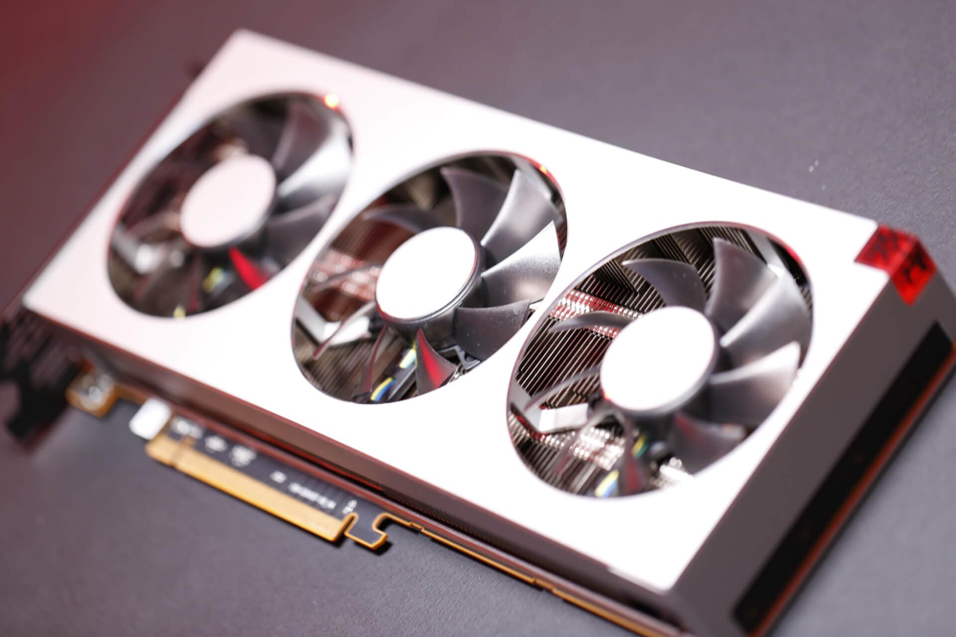 AMD Radeon VII (31)