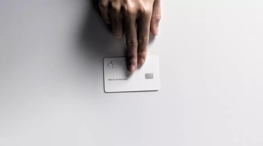 بطاقة Apple Card الائتمانية