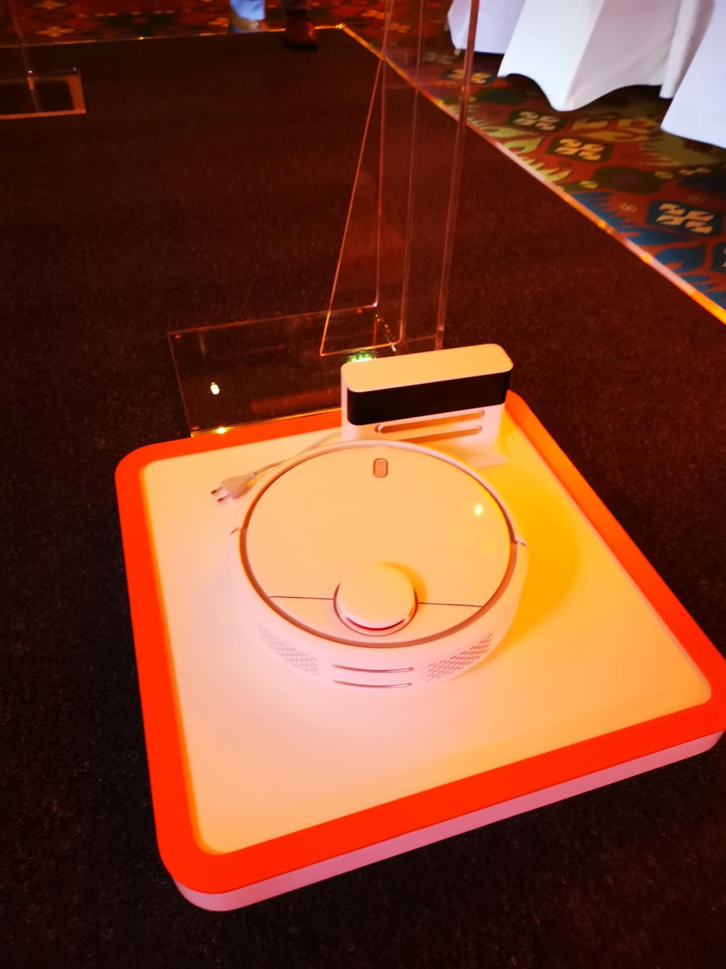 سعر ومواصفات مكنسة Mi Robot Vacuum الذكية