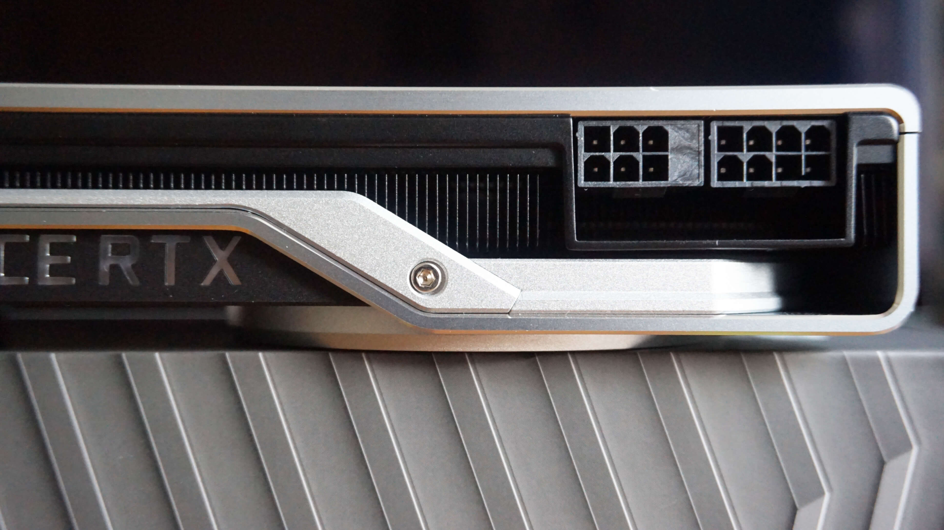 RTX 2080 GPU الالعاب