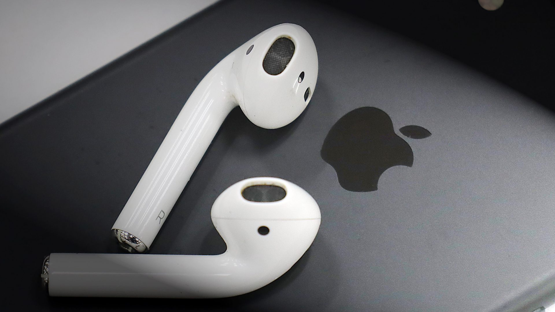 AirPods أبل