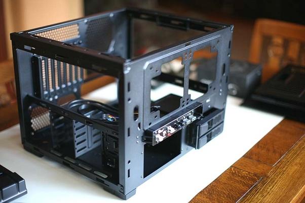 تجهيز صندوق الحاسب أو الكيس لعملية التركيب
