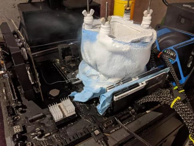 العضو Splave يسجل كسر سرعة قياسي جديد مع معالج AMD Ryzen 9 3900XT