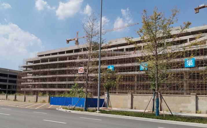 شركة تصنيع الرقائق الصينية HSMC تواجه مشاكل عويصة في عمليات الإنشاء