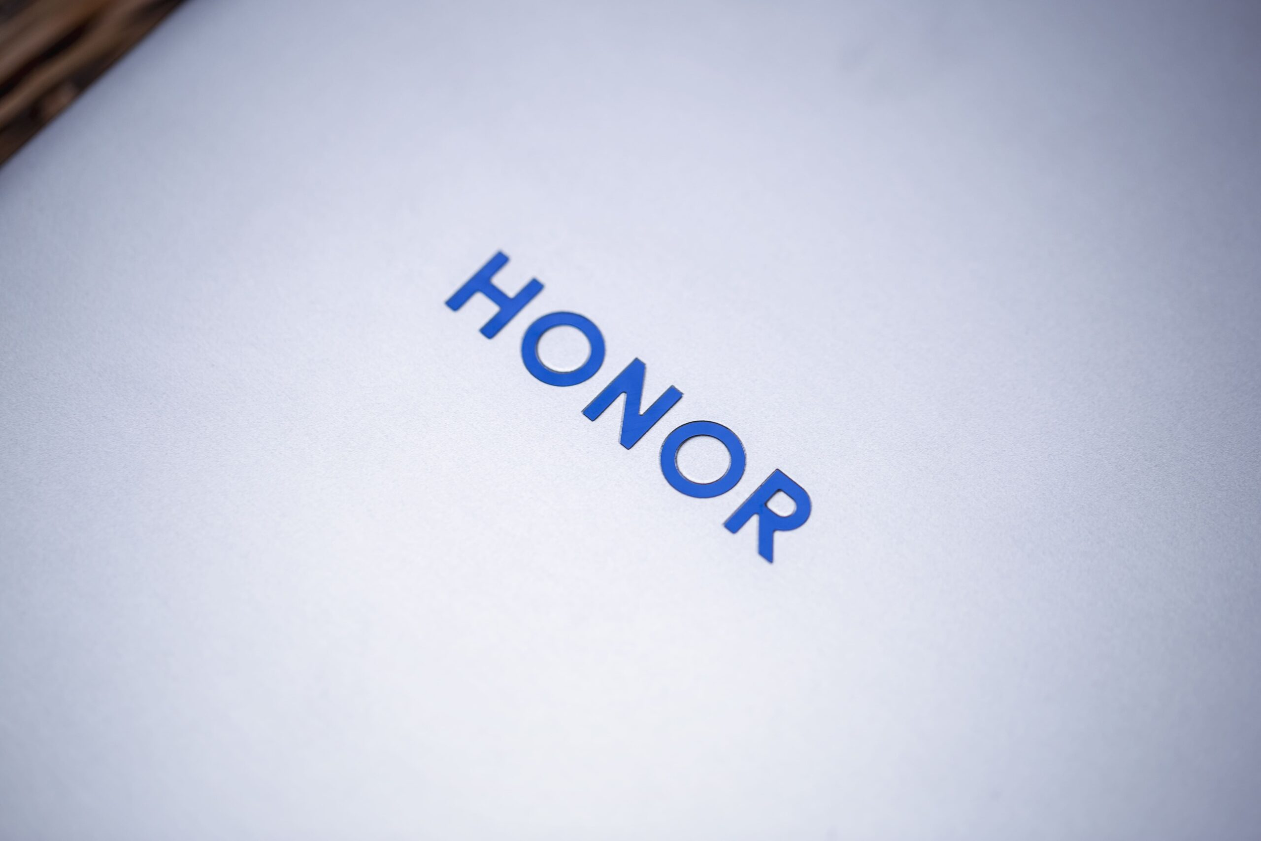 HONOR هونر