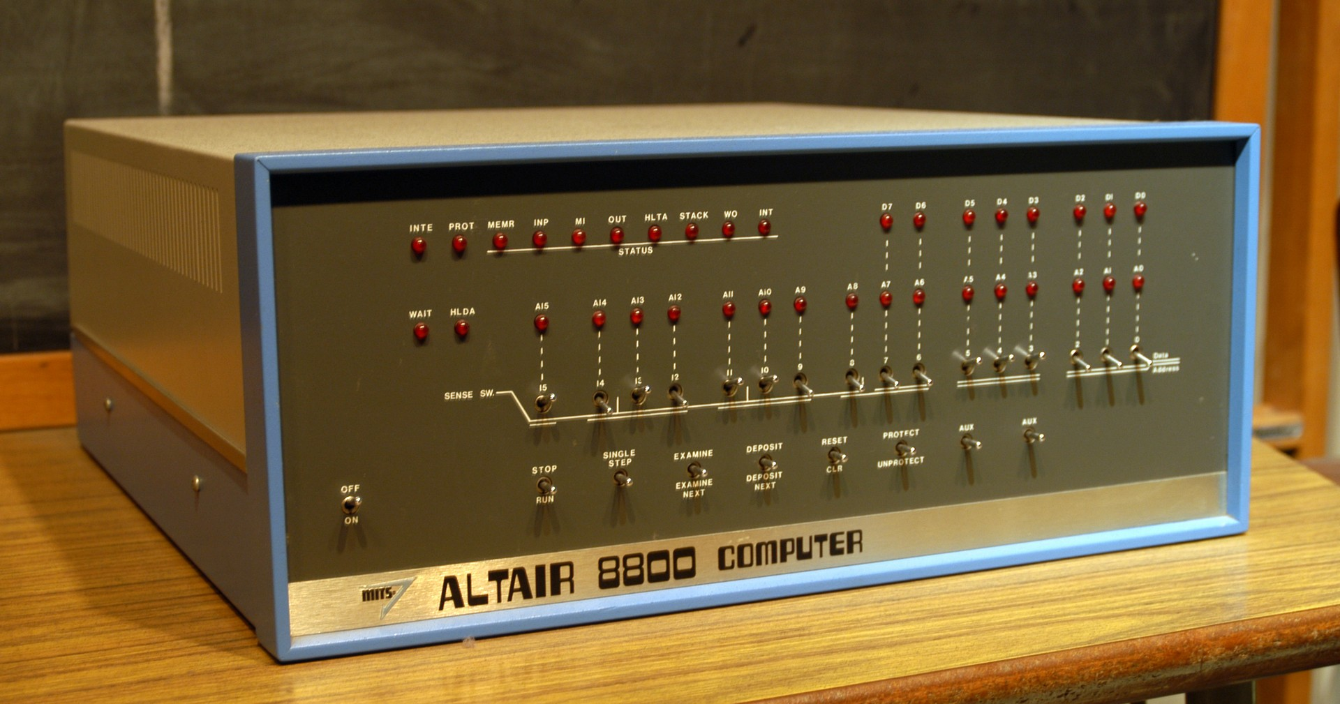 Altair_8800 minicomputer
