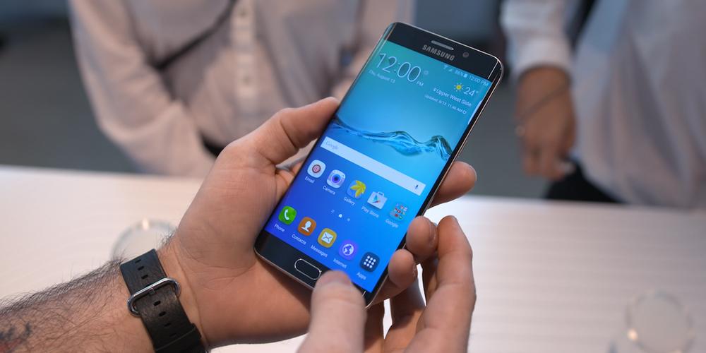 سامسونج ترسل تحديثات مفاجئة لهواتف جالكسي نوت 5 وجالكسي S6
