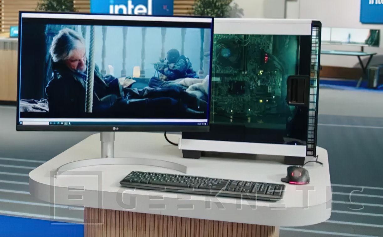 جهاز الكمبيوتر الذي قدمت Intel فيه معالج Alder Lake