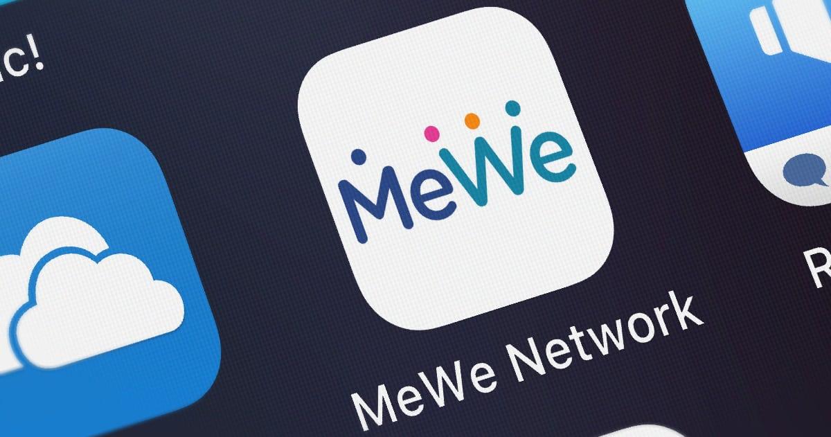 تطبيق MeWe