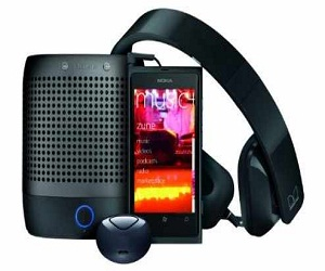 Nokia-Lumia-800-Entertainment-Bundle