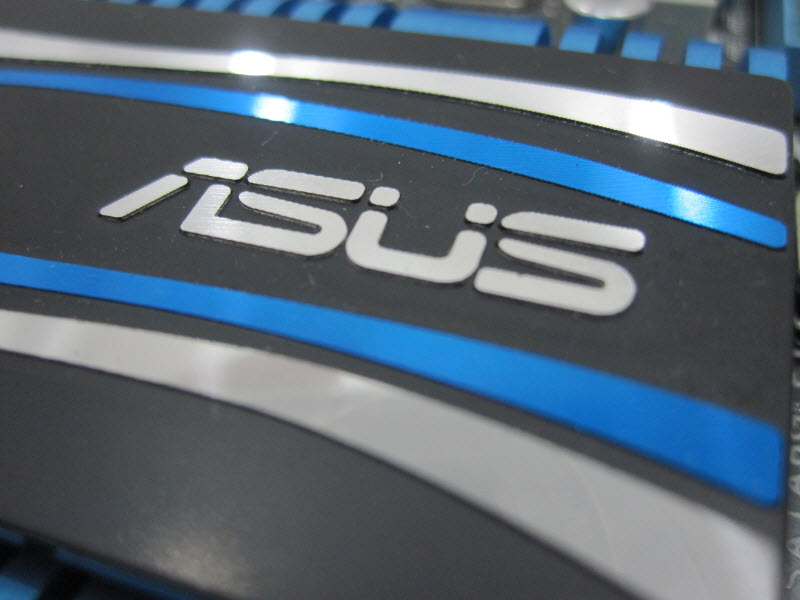 Asus P8Z68-V PRO First Look