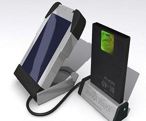 wakawaka-charger-solar-lamp